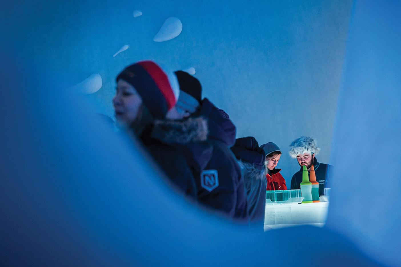ICEBAR-BY-ICEHOTEL-JUKKASJéRVI_Photo-Paulina-Holmgren